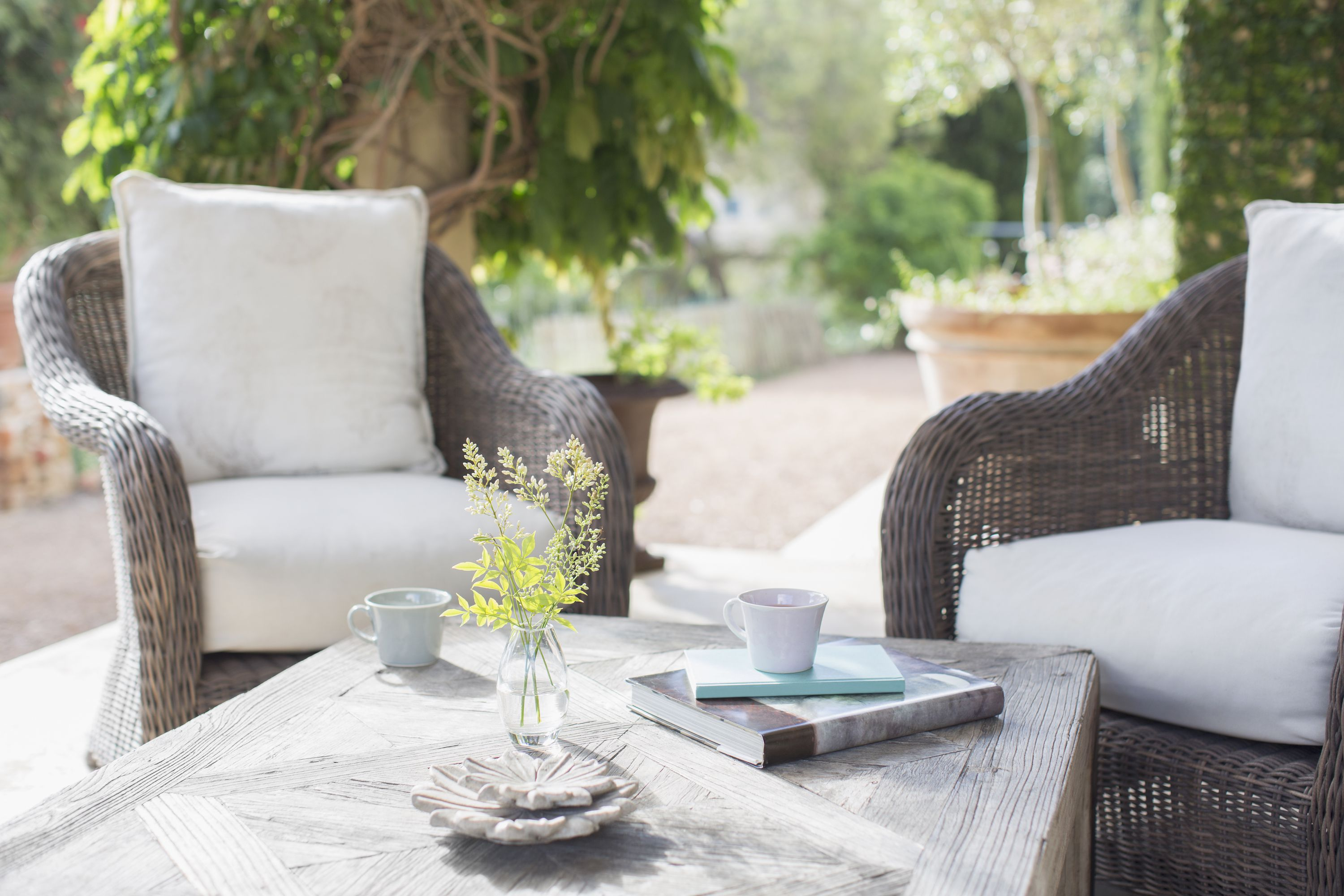 Tips to Help You Choose Patio Furniture This Summer